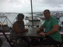 Com a Professora Valnice Paiva no restaurante de Mercado Modelo. Fonte: Valnice P.